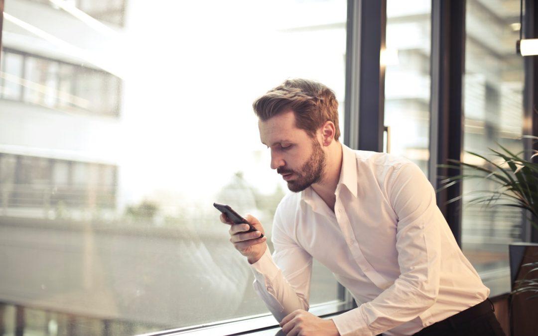Tényleg lehallgatják az okostelefonunkat…?